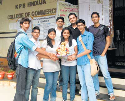 Students and Green Ganesh